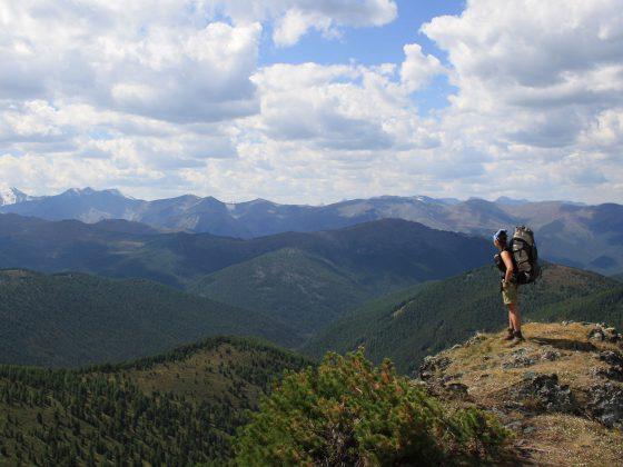 Trekking im goldenen Gebirge