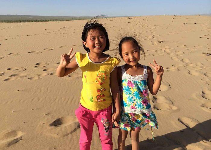 kleine Mädchen in der Mongolei