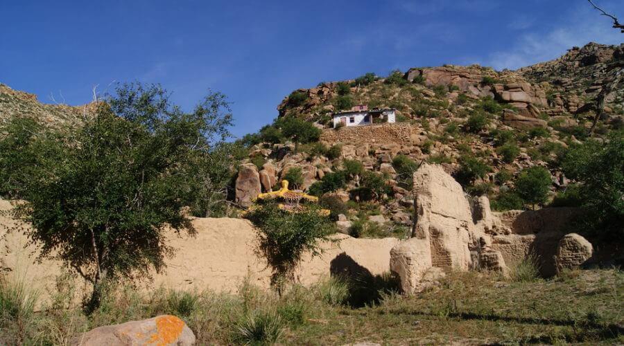 Felsige Naturlandschaft der Mongolei