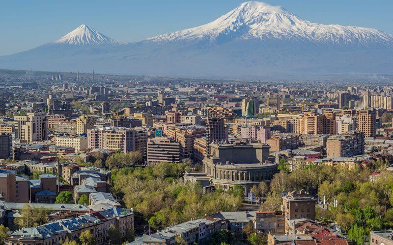 Mount-Ararat-und-Yerevan